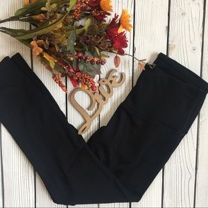90 Degree Black Cropped Leggings
